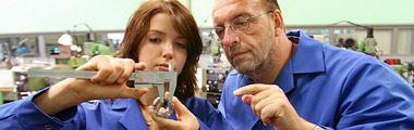 Regeringen utvidgar målgruppen för yrkesintroduktionsanställningar och traineejobb